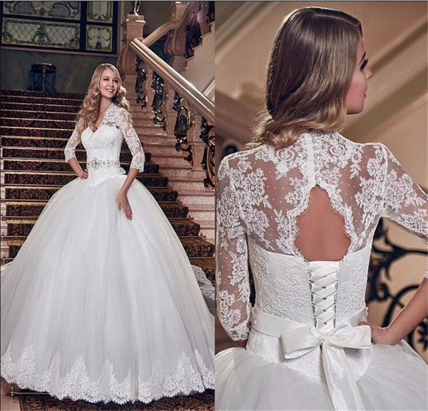 Vintage V Neck Cut Out Back Lace Up Long Bridal Gowns Charming White France Lace 34 Long Sleeve Ball Gown Wedding Dresses Princess Ball Gowns