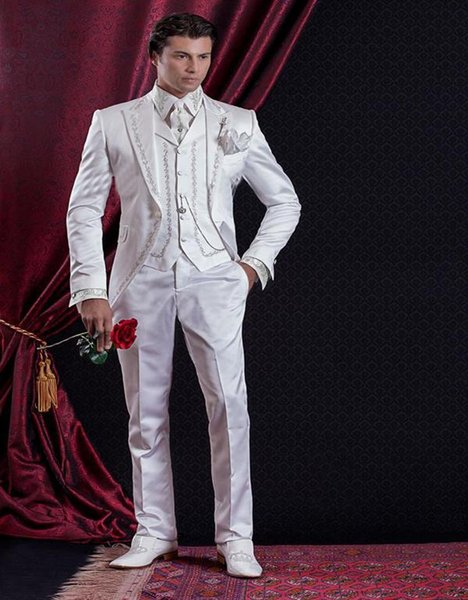 Custom Made Baroque Style Groom Tuxedos Groomsman Suit Evening Suits Embroidery White Man's Suit (Jacket+Pants+Vest) for Wedding