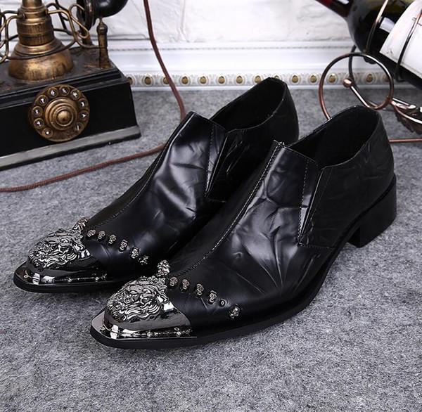 Zapatos de vestir de los hombres de la cabeza del dragón de alta calidad negro Zapatos Chaussure Homme de los hombres hermosos de la boda Zapatos de los remaches de los hombres mocasines