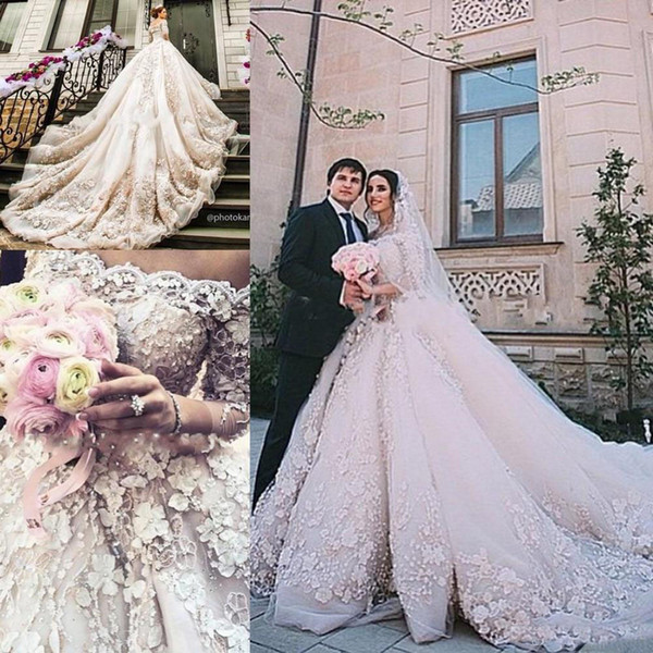 Stunning Dubai Arabic Ball Gown Wedding Dresses 2017 Michael Cinco 3D Floral Castle Wedding Gowns For Bridal Party Long Royal Train
