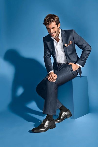 Fashion navy blue mens suits notched Lapel tuxedos 2017 Wedding suits for men two button groomsmen suits two piece Suit (Jacket+Pants+tie)
