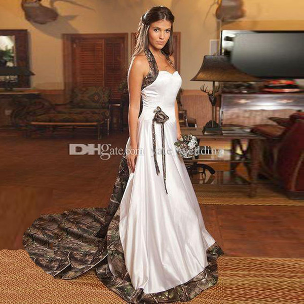 2018 Vintage Camo Wedding Dresses Sweetheart Halter Satin Cowgirls Camouflage Wedding Gowns Bridal Dresses Chapel Train