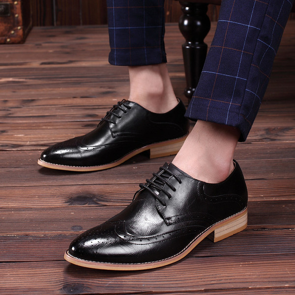 2016 Noble Stylish Genuine Leather Vintage Carved Brogues Shoes Mens Casual Oxfords Shoes Hand Made Lace Up British Style High Quality