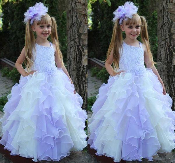 Lanvender Ball Gown Flower Girl Dresses 2016 Con Pizzo Cascading Ruffles Piano Lunghezza Baby Girl Dress Comunione Abiti per bambina
