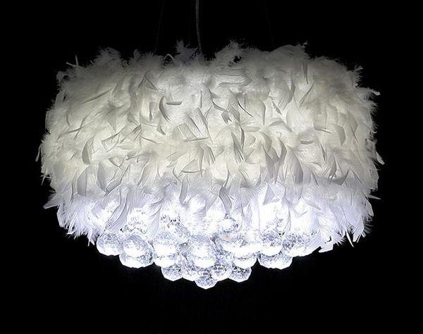 Erstaunliche romantische Federgefieder-Federart mit hängender Kristallkristallfederleuchter LED der weißen Glühlampe weißen modernen