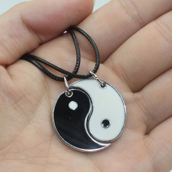 Wholesale- Fashion Unisex 1set / 2pcs Silver Enamel Black White I Ching Bagua Tai Chi Ying Yang Best Friend Pendant Collar Necklace Jewelry