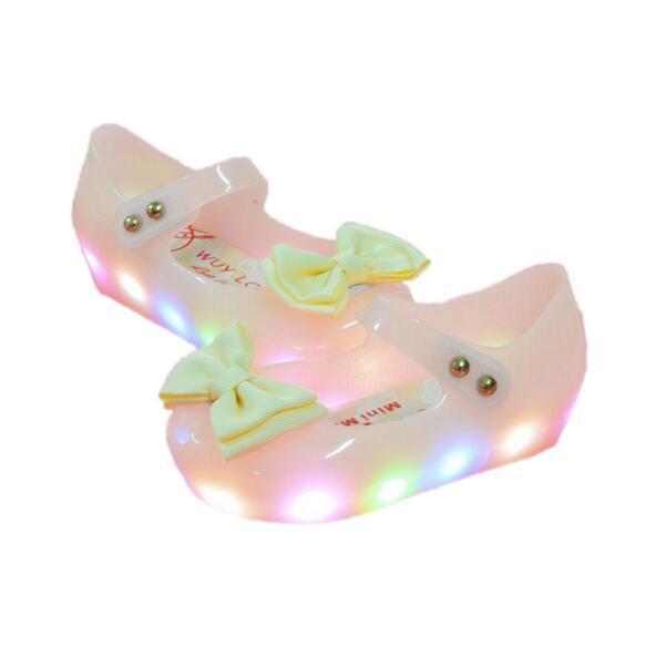 2017 Nuovi arrivi Primavera Estate Mini Baby LED Light Sandali delle ragazze Principessa Bow Kids Jelly Shoes PVC Flash antiscivolo scarpe per bambini