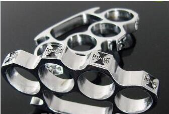2pcs death squads boxing outdoor self defense Protection equipment metal Gold and silver knuckle duster knuckle Protective Gear