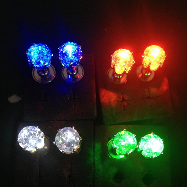 LED Lamp Diamonds Ear Studs Crown Molding Unisex Earrings Used For Nightclub Party Exquisite Unique Design New 2 8md A1
