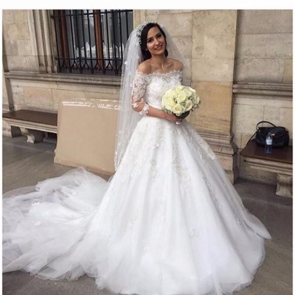 de8e47e0ae3ba Vintage Weding Dresses Half Sleeve Lace Appliques Off Shoulder Chapel Train  Sequin A Line Plus Size
