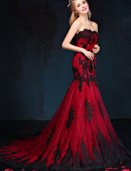 Черное и красное готическое свадебное платье русалки Милая кружева аппликации тюль корсет назад старинные красочные свадебные платья 1950-х годов