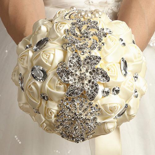 Romantic Handmade Charming Brooch Cream Wedding Bridal Bouquet in Ribbon Satin Diamond for Bride de niova