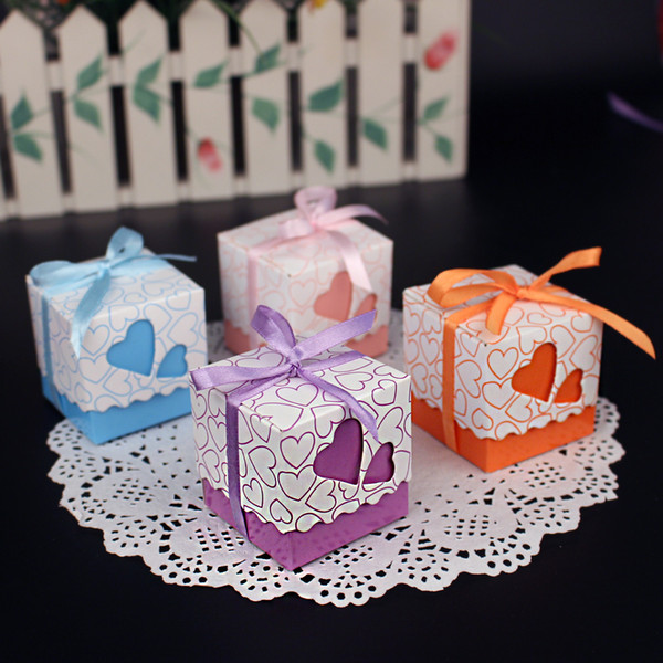 Wedding Favor Holders Candy Bags Lots Paper Four Colors Heart Cubic Design Wedding Favor Boxes BW-FH0002