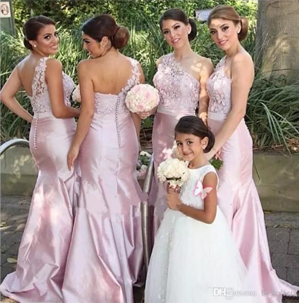 Fuchsia Pink Günstige One Shoulder Brautjungfernkleider 2017 Vintage Spitze Taft Sommer Meerjungfrau Trauzeugin Kleider Formale Hochzeitsgast Kleid