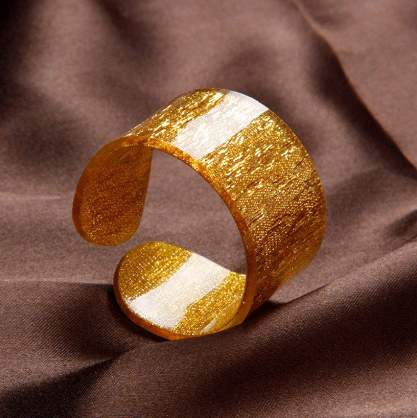 100pcs / lot Luxus goldene und silberne Farbe Acryl Serviettenringe für Hochzeitsausgangsparteidekoration