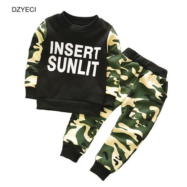 Outono Inverno Terno Do Esporte Para O Bebê Menina Menino Conjunto de Roupas Crianças Coreanas Camuflagem Letra T Shirt + Calça Calça 2 PCS Outfit Kid Tracksuit