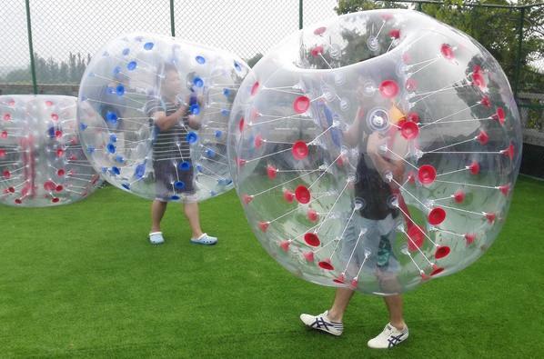 Sfera gonfiabile trasparente della palla di Zorbing di calcio della bolla di calcio della palla del paraurti della palla di 1.5m da vendere