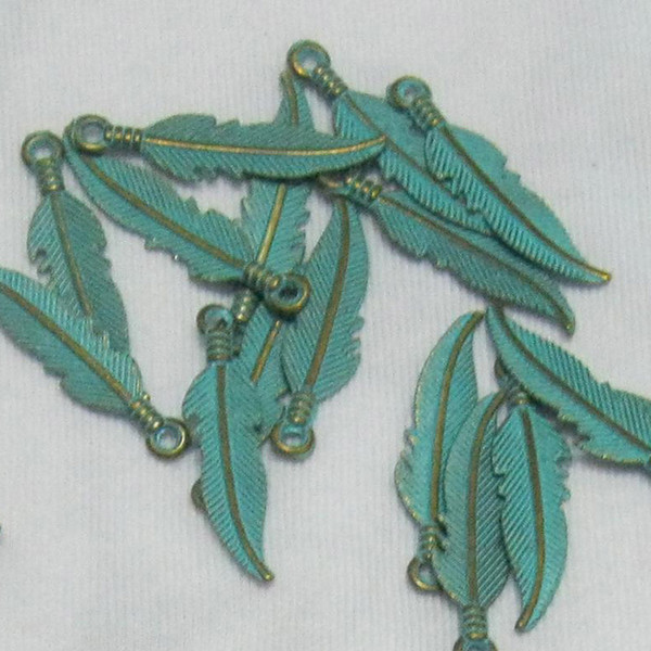 100pcs/lot 22x7MM Verdigris Patina Jewelry Findings Components Alloy Feather Charms For DIY Bracelet Necklace Jewelry Findings Conversion : 1 inch = 2.54 cm or 1 cm = 0.3937 inch) Category:Jewelery Gender:Women's Occasion:Anniversary, Special Occasion, Party, Gift,Birthday, Engagement, Jewelry Findings & Components