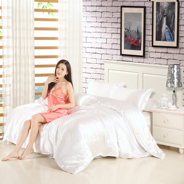Al por mayor-estilo moderno blanco terciopelo suave abajo chaqueta de algodón edredón de seda cubierta del edredón + hoja de cama + funda de almohada 4 piezas dormitorio doble