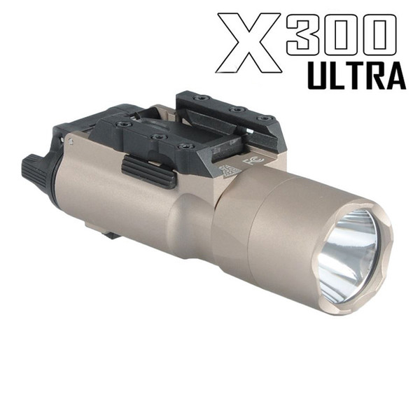 Luce tattica SF X300 Ultra LED Gun Light X300U Adatta a pistola con Picatinny o Universal Rails per Cannocchiale Dark Earth