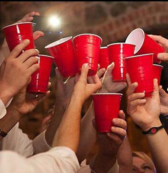 Atacado- Frete grátis 16 oz copos de solo vermelho de alta qualidade copos de cerveja de plástico copos partido festa divertida jogo de beber