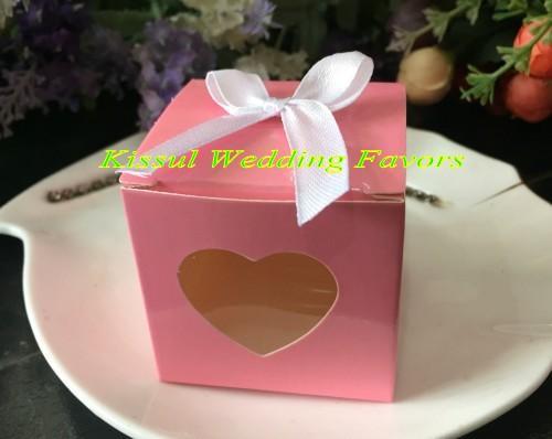 white box on pink box