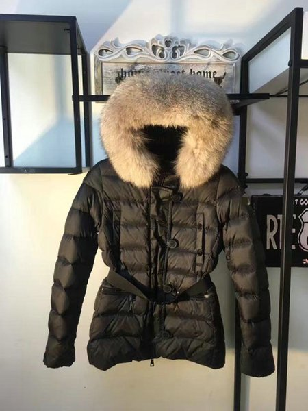 Gut Französisch Marken-Jacke für Frauen Echtpelzkragen Wintermäntel Ente unten Parkas Mode Damenkleidung