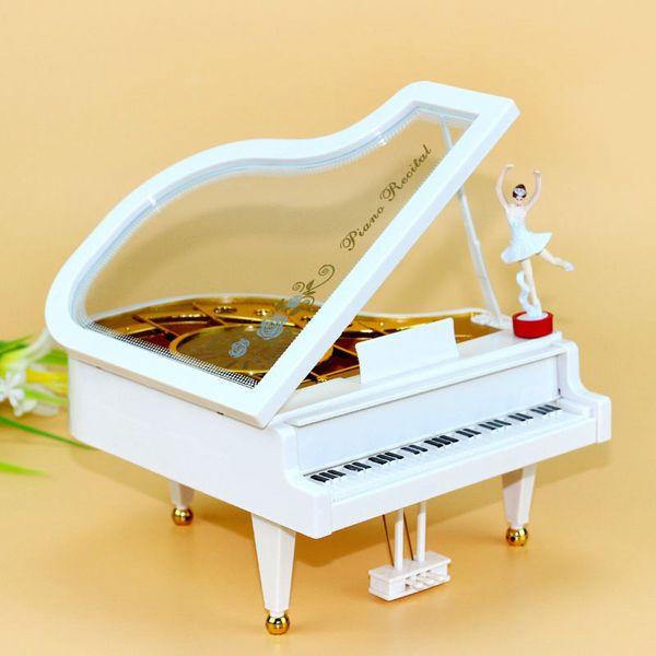 Creative piano ragazza dance music box Il balletto ragazza carillon resina manufatti per l'arredamento all'ingrosso dipartimento