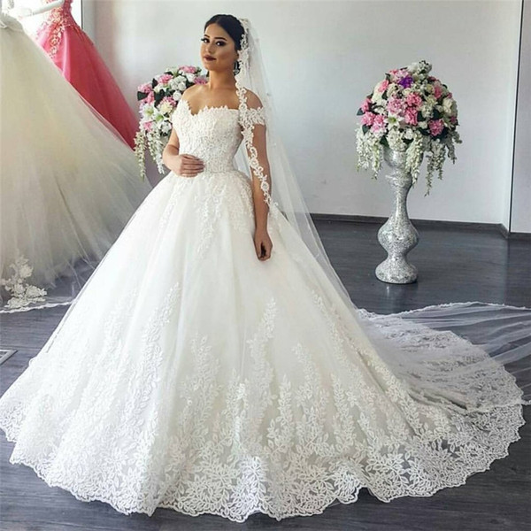 top popular Off The Shoulder with Sleeves Wedding Ball Gown Dresses Sexy Elegant Lace Lace Applique Bridal Gowns Hot Sale 2021