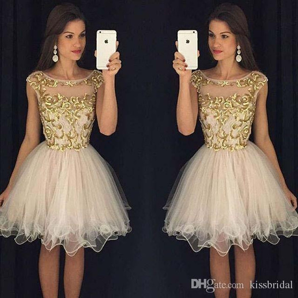 top popular New Cocktail Dress Short Applique Cheap Gold Prom party Dress Jewel Neck Cap Sleeve Zipper Back Homecoming Dresses 2019