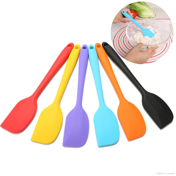 5pcs Random Color Practical Cake Butter Cream Spatula Oil Bread Scraper Brush Silicone Baking & Pastry Tools Kitchen Tool Gadget