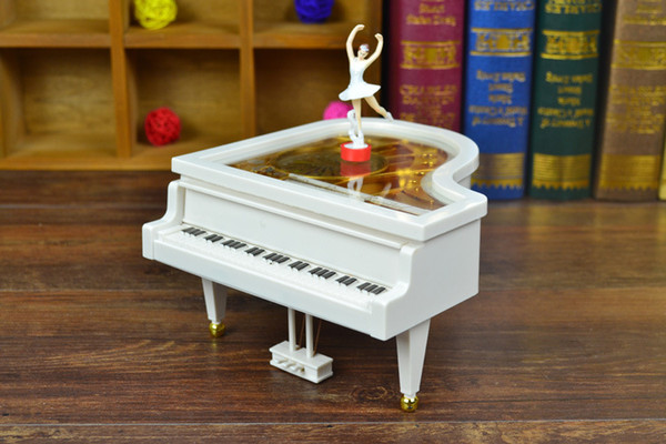 Caixa de música de piano, caixa de plástico Mobiliário Doméstico ornamentos decorativos presentes criativos presentes presentes estudantes