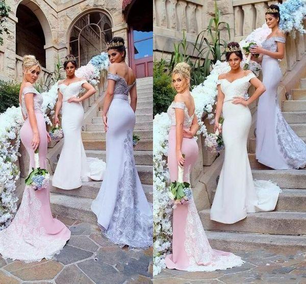 Fora do estilo do país do ombro sereia longo da dama de honra vestidos de 2017 do vintage novo e elegante apliques de renda madrinha de casamento convidados do convidado vestidos