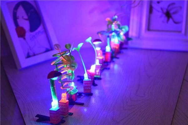Artifact sell Meng Meng sell new luminous flash artifact head long grass plant flowers and sprouts Funny hairpin