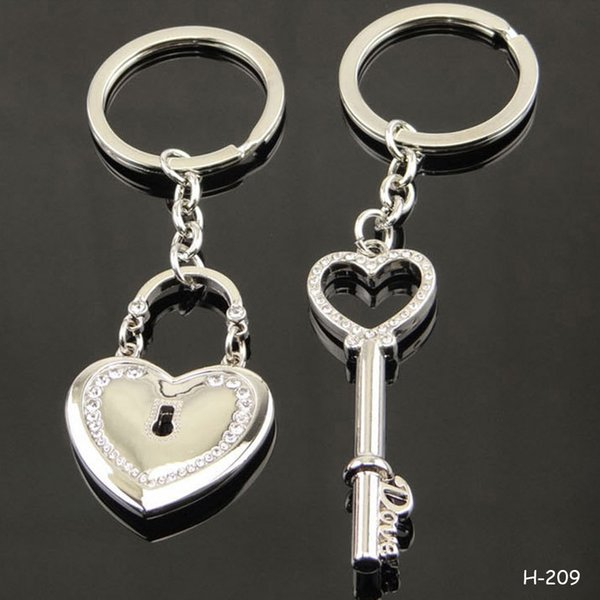 Couples Keychains Key Lock Heart Shaped Rhinestone Zinc Alloy Key Chain Clover True Love Heart Keyring Keyfob Statement Gift for Lovers