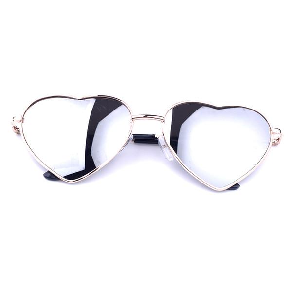 Toptan-Benzersiz Tasarım Kadınlar Güneş Gözlüğü Metal Çerçeve Ayna Lens Moda Güneş Gözlükleri Kadınlar Kalp Şeklinde UV Koruma Gözlük Gözlük