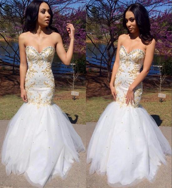 2019 Sweetheart White Mermaid Prom Dresses Tulle Beaded con diamantes de imitación Lace up Sweep Train Vestidos de noche largos y sexy Vestido de desfile de mujer