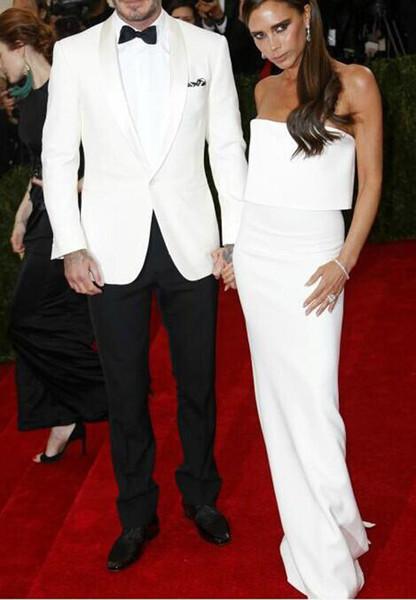 Jaqueta branca Calças Pretas Noivo Smoking Melhor Senhores Terno Xale Cetim Groomsman Groomsman Homens Ternos De Casamento Noivo (Jaqueta + Calça + Gravata)