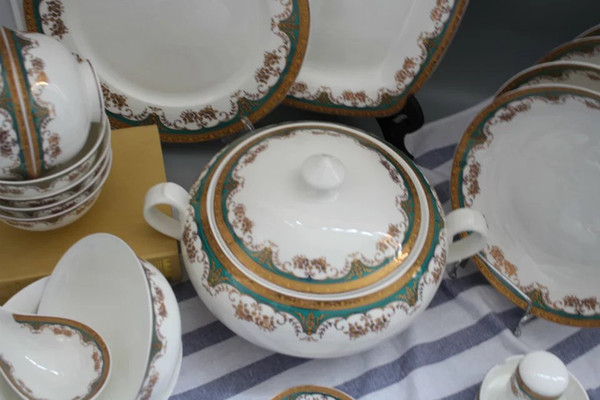 Dinner set / Tableware/ceramic/porcelain/50pieces fine bone China/lunxury Gift : best bone china dinnerware - pezcame.com