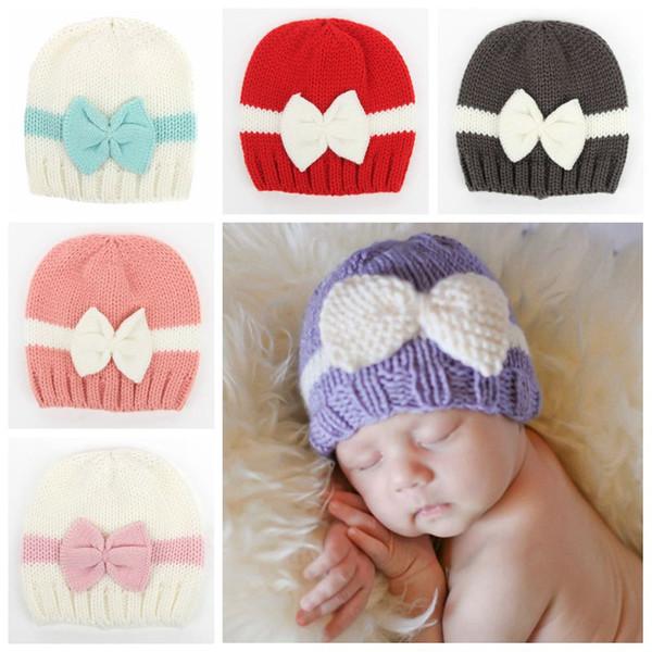 Newborn Bow Lovely Crochet Baby Cute Soft Knit Hats Skull Cap infantile Handmade Berretti a maglia Beanie Kid Girls Toddler Cappello di natale F218