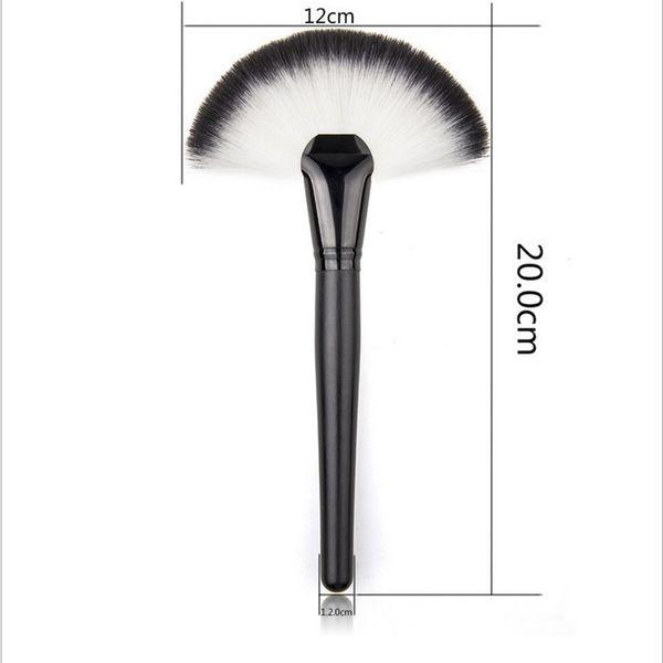 Wholesale Fan Shape Blusher Brush Makeup Cosmetic Brushes Blending Highlighter Face Powder Brush Beauty Tools Wooden Handle Powder brush DHL