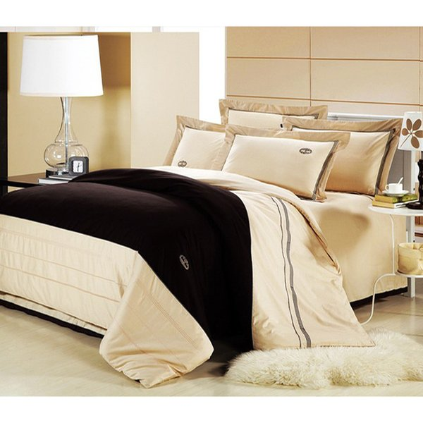 Classical cream 4pcs luxury bedding set Queen/King size 100% cotton embroidery home hotel comforter cover bedsheet set/B2178