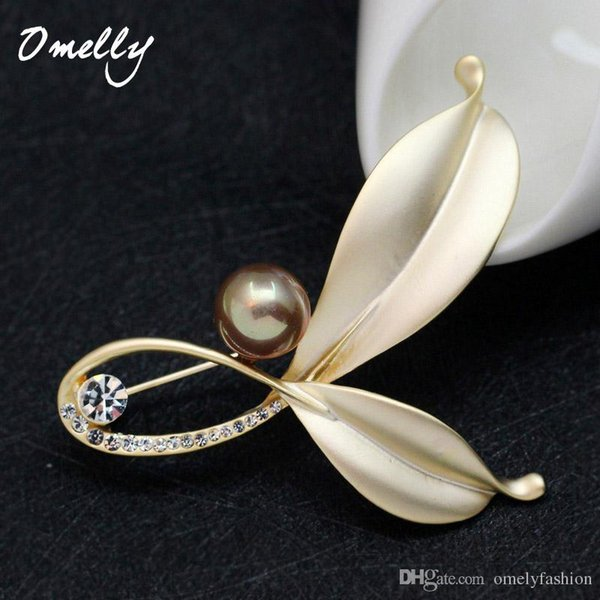 Elegant Leaf Flower Brooch Crystal Rhinestone Pearl Brooches Pin Luxury Style Women Suit Jewelry Accessories Good Quality
