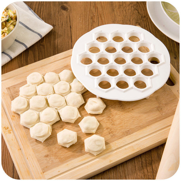 1 Pcs 21x 2cm Kitchen Pastry Tools DIY White Plastic Dumpling Mold Maker Dough Press Dumpling 19 Holes Dumplings Maker Mold
