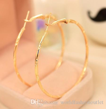 best selling Charm Ear Stud Earings Fashion Jewelry Accessories Simple Earing Hoop Huggie Circle Earrings Golden Silver Plated Ear Acc Eardrop Jewellry