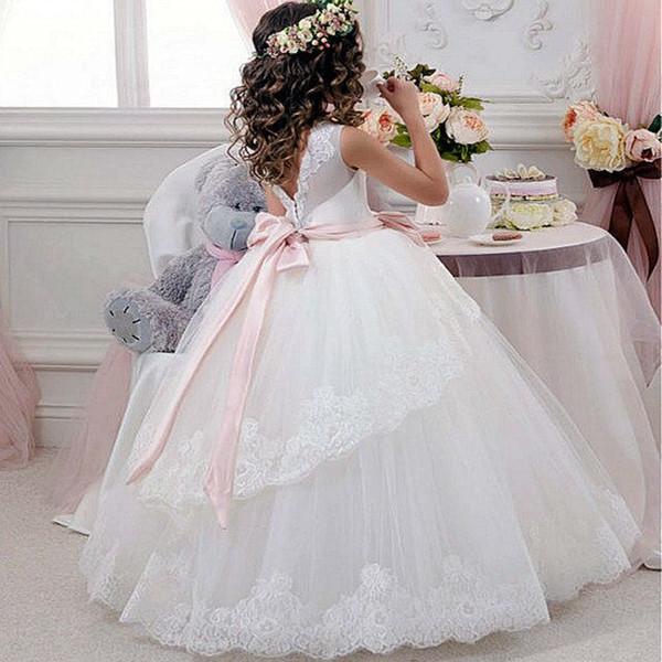 top popular Princess Ball Gown White Lace Flower Girls Dresses For Weddings Cheap 2017 Tulle Belt Bow Knot Custom First Communion Dress Gown 2021