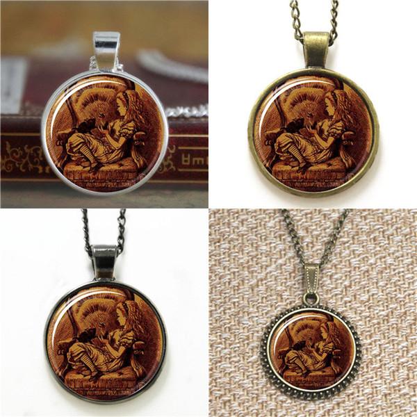10pcs Alice im Wunderland Alice Dinah doppelseitige Uhr Halskette Schlüsselanhänger Lesezeichen Manschettenknopf Ohrring Armband