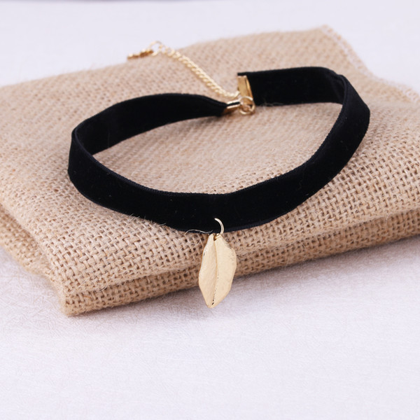 New Arrival Cute Plant Golden/Silver Leaf Pendant Black Korea Velvet Rope Choker Collar Necklace Female Collier Bijoux Girls Gift EFN011V