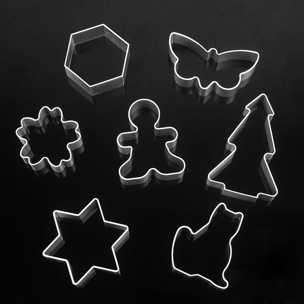 Wholesale- 7pcs/lot Christmas Aluminum Biscuit Mold Bakeware Fondant Cake Mold DIY Sugar craft 3D Pastry Cookie Cutters Baking Tools