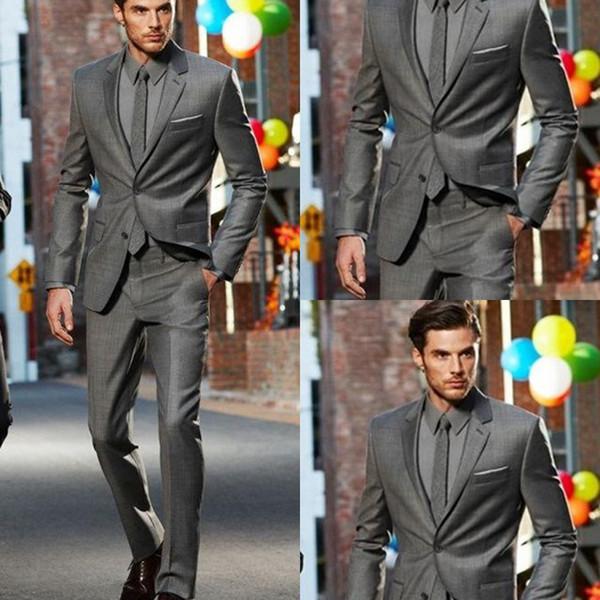 Dunkelgrau Slim Fit Seitenschlitz Bräutigam Smoking Zwei Knöpfe Kerbe Revers Männer Anzüge Mann Anzug (Jacke + Pants + Tie) Formale Abendessen Kleider